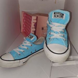 Converse All Star Low top baby blue womens sz 6